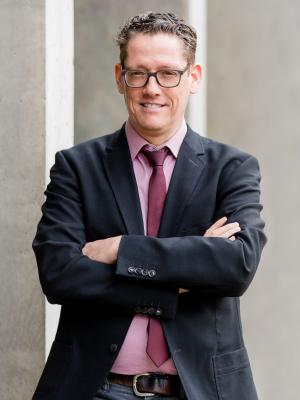 Prof. Dr. Lucas Burkart