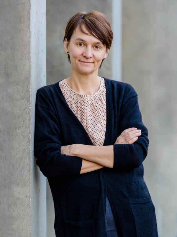 Caroline Arni