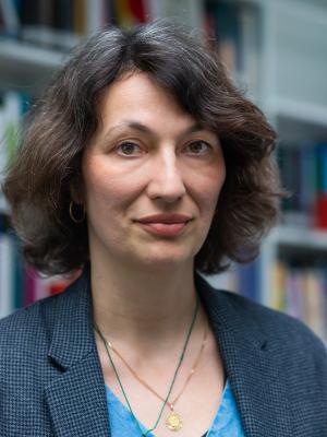 Dr. Estelle Blaschke
