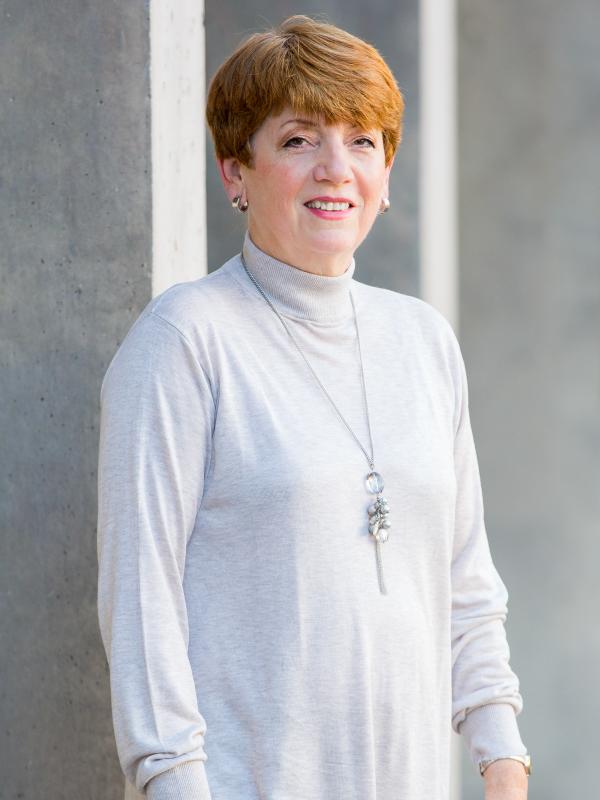 Claudia Opitz Belakhal