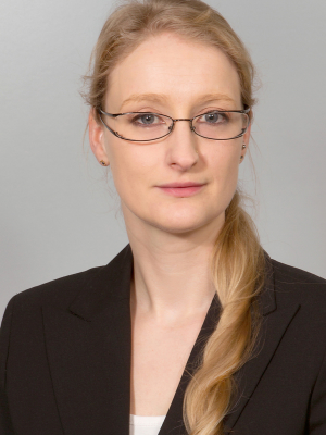 Dr. Julia Birk
