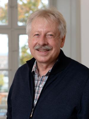 PD Dr. Piet Van Eeuwijk