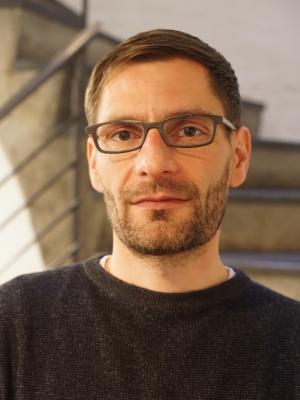 Dr. Simon Aeberhard