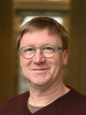 Dr. Ernst Örni Akeret